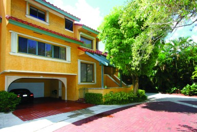 L°Hermitage Coconut Grove Condos Building Exterior Area