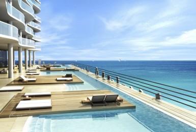 Solis Beach Condos Sea View