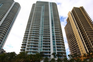 Turnberry Ocean Colony Sunny Isles Beach Condos Building Exterior view