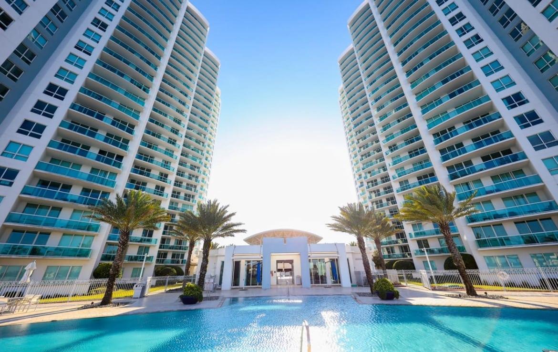 Marina Grande Daytona Exterior of Building and Pool