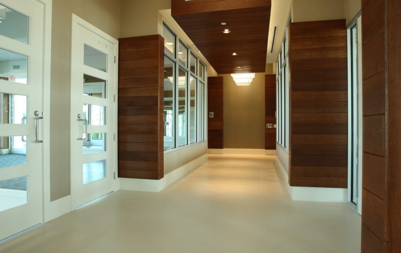 Marina Grande Daytona Hallway