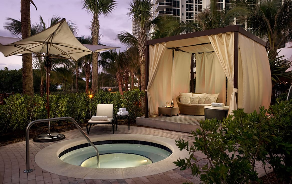 The Ritz-Carlton Residences One Bal Harbour Jacuzzi and Cabanas