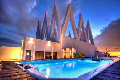 Akoya Beach Condos Outdoor Swimming Pool