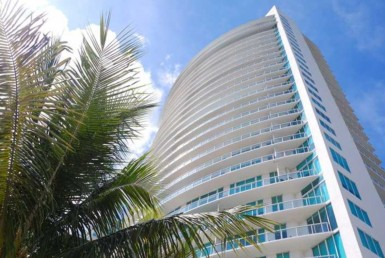 Onyx on the Bay Condos exterior View