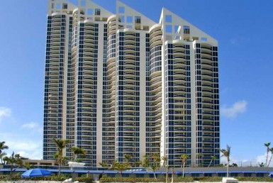 Pinnacle Sunny Isles Beach Condos Building Exterior View